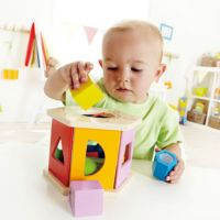 Hape Sortierbox Shake & Match